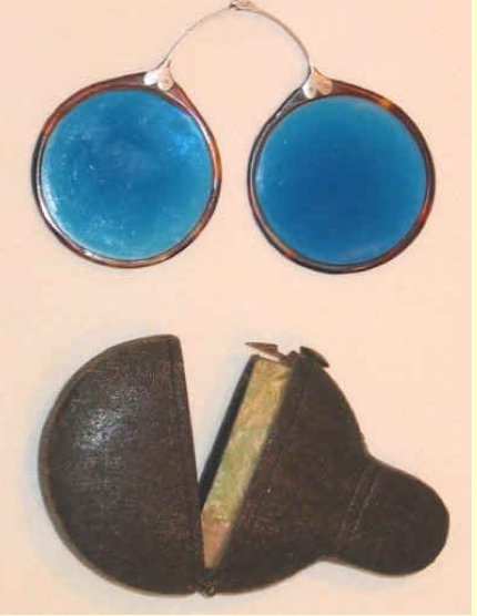 ohs english folding nose spectacles c 1770